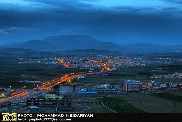 شهر سنقر و مادیانکوه در شب
