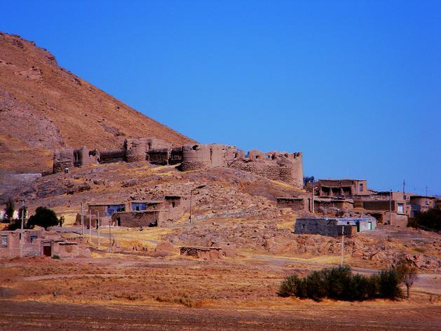 قلعه تاریخی سیرکوه - شهرستان سنقروکلیایی