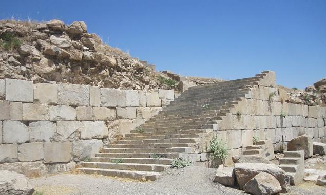 معبد آناهیتا - شهرستان کنگاور