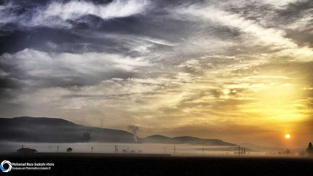 مه صبحگاهی در جاده ی شهرستان اسلام آباد غرب