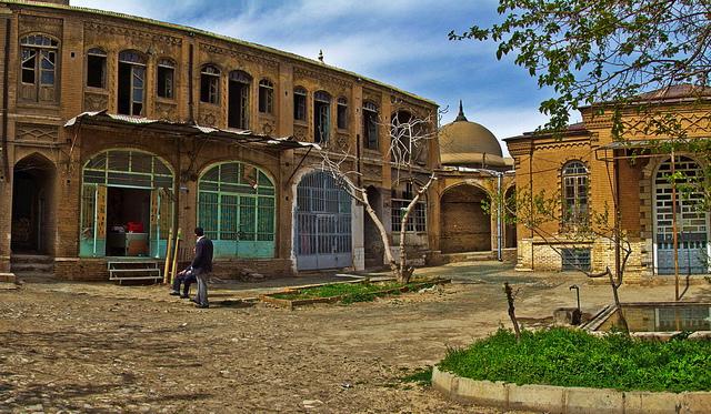 قسمتی ، که در بازار قدیمی شهر کرمانشاه قرار دارد